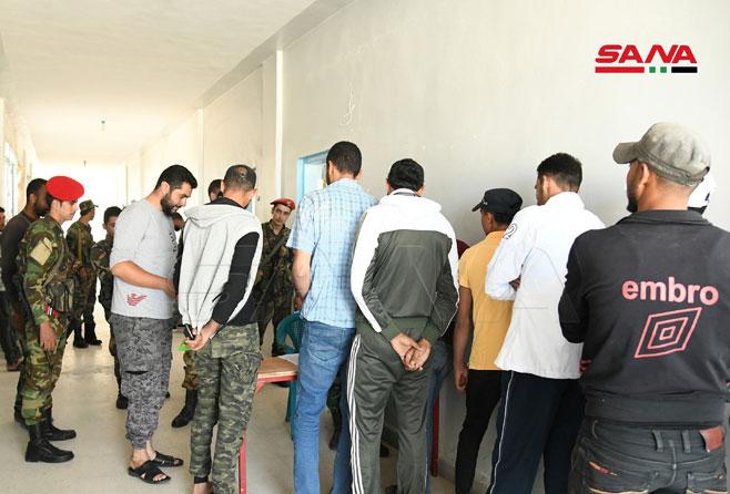 دهها فرد مسلح درعا به فرآیند آشتی با دولت سوریه ملحق شدند