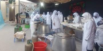 بانوان زینبی در گردان نانوا/پخت روزانه ۱۷۰۰ قرص نان اربعینی در جوار قبر سیدالشهدای مقاومت