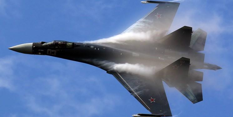 اسکورت بمب افکن بی-۵۲ آمریکا از سوی جنگندههای سوخو-۳۵ روسیه