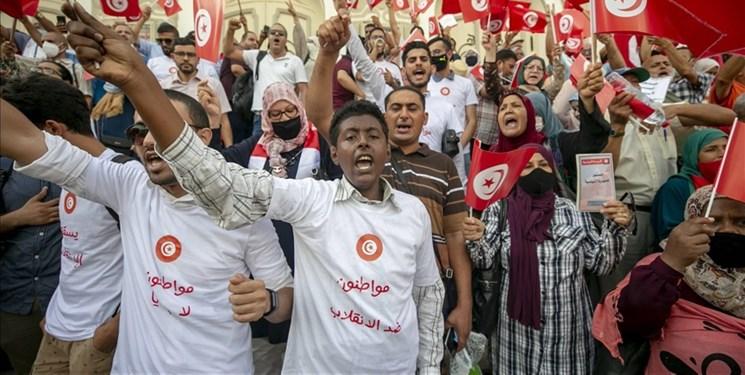 گسترش دامنه اعتراضات در تونس؛ معترضان خواستار برکناری رئیس جمهور شدند