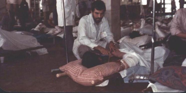 روایت «پزشکی» که بدنش را آزمایشگاه «پشه شناسی» کرد!/نامه یک رزمنده به پدرش برای ساخت «سُُرم ضد عقرب»+فیلم/آقای داوودی