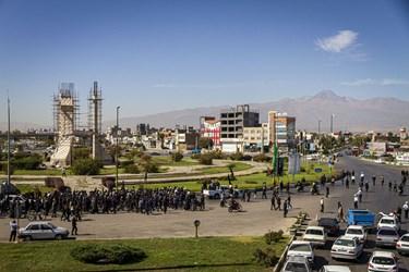 پیاده روی جاماندگان اربعین در اردبیل/ میدان وحدت