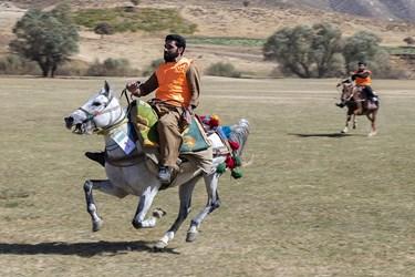برگزاری مسابقات اسبسواری در روستای مرزی آلواتان سردشت بهمناسبت هفته نیروی انتظامی توسط مرزبانان و مرزنشینان سردشت