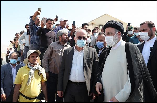 14000716000589 Test NewPhotoFree - گزارش سفر رئیسجمهور به بوشهر/ از حضور در آلاچیق کشاورزان تا بازدید از مراحل ساخت شناور شهید سلیمانی