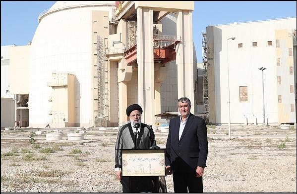 14000716000592 Test NewPhotoFree - گزارش سفر رئیسجمهور به بوشهر/ از حضور در آلاچیق کشاورزان تا بازدید از مراحل ساخت شناور شهید سلیمانی