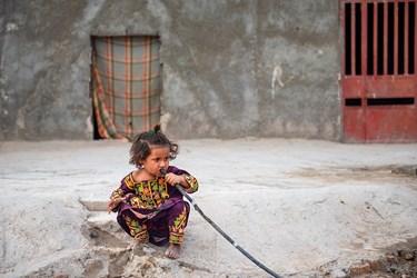 شرایط نامطلوب و نبود تصفیه خانه آب مناسب باعث بروز مشکلات گوارشی برای کودکان میشود
