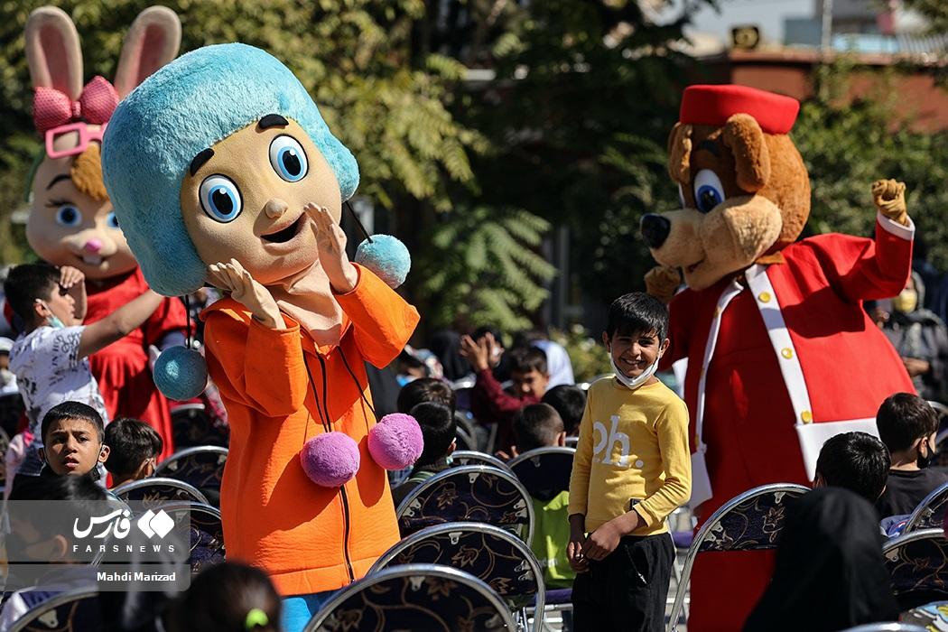 کارناوال شادی کودکان کار و کم برخوردار پایتخت به مناسبت روز ملی کودک