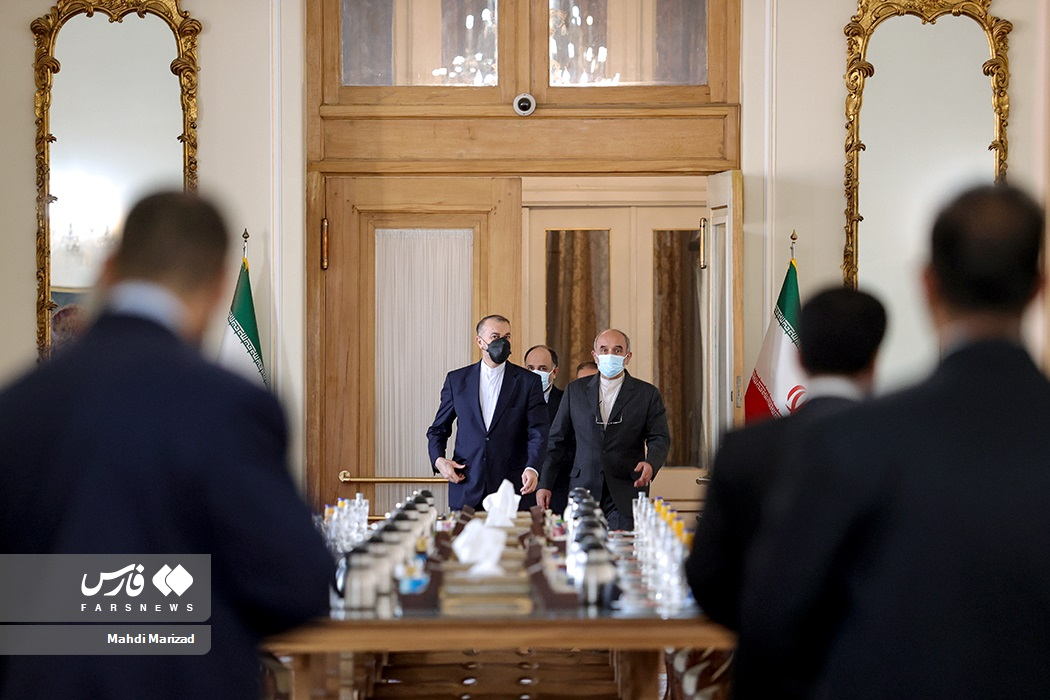 ورود حسین امیرعبداللهیان وزیر امور خارجه به محل دیدار با رئیس مجلس سوئیس