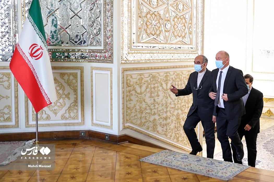 ورود آندریاس ایبی رئیس مجلس شورای ملی سوئیس به محل دیدار با وزیر امور خارجه