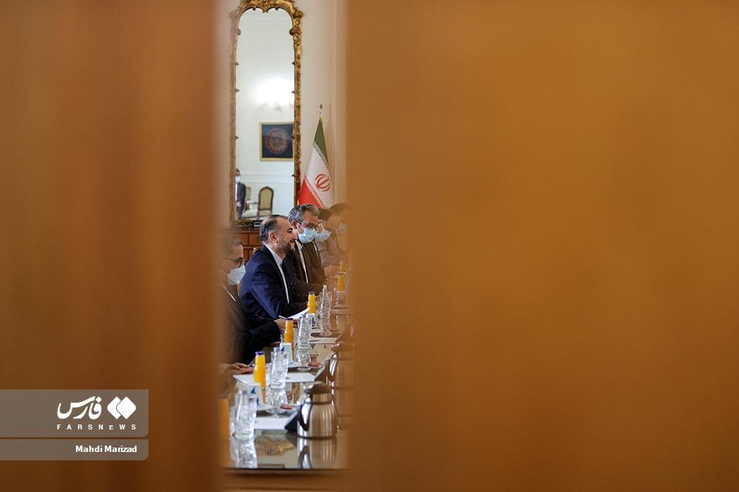 حسین امیرعبداللهیان وزیر امور خارجه در دیدار با رئیس مجلس سوئیس