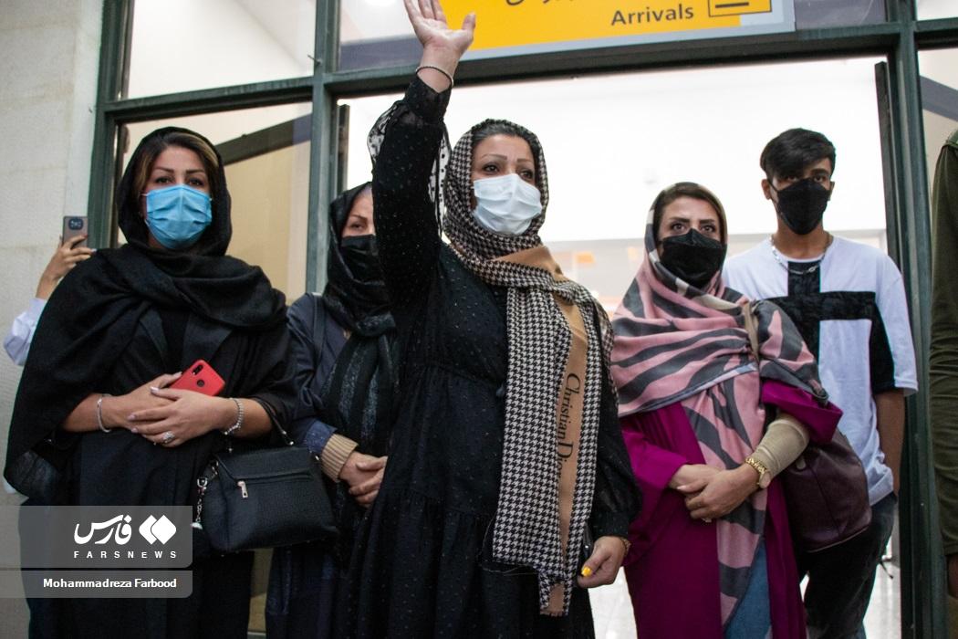 استقبال خانواده برادارن گرایی در شیراز بعد از بازگشت آن ها از مسابقات کشتی فرنگی قهرمانی جهان ۲۰۲۱ اسلو نروژ
