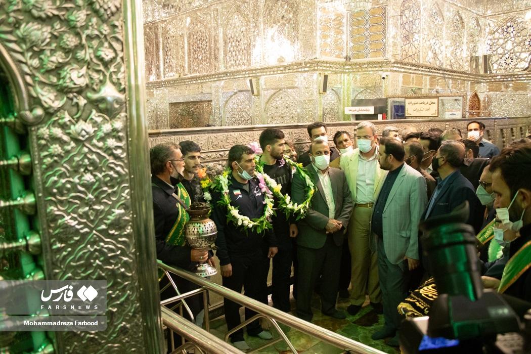 استقبال از قهرمانان فرنگیکار تیم ملی کشتی کشورمان در حرم مطهر حضرت شاهچراغ(ع) شیراز