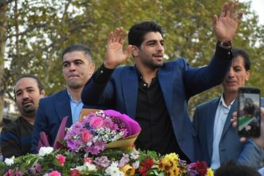 تشکر و قدردانی محمدهادی ساروی قهرمان طلایی کشتی فرنگی جهان از طرفدارانش ...