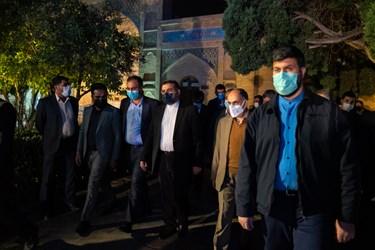 ورود وزیر فرهنگ و ارشاد اسلامی، محمد مهدی اسماعیلی به محل برگزاری مراسم بزرگداشت یادروز حافظ شیرازی