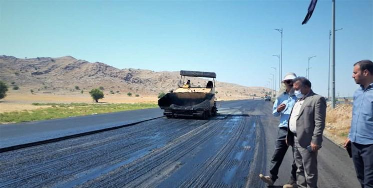 پیشرفت ۶۰ درصدی عملیات روکش آسفالت محور گچساران_امامزاده جعفر/ تکمیل پروژه تا ۱۵ آبان ماه