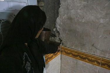 ترک های روی دیوار بعد از وقوع زلزله