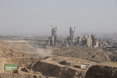کارخانه سیمان تهران در مجاورت امامزاده بی بی شهربانو قرار دارد