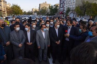 حضور جمعی از مسؤولان استانی در افتتاح  عرشه اصلی پل قدس اردبیل
