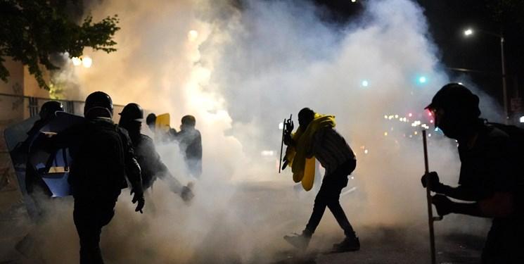 هشدار قانونگذاران آمریکایی درباره استفاده از گاز اشکآور برای کنترل تظاهرات