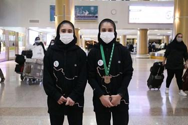 بازگشت خواهران وزنه بردار به مشهد