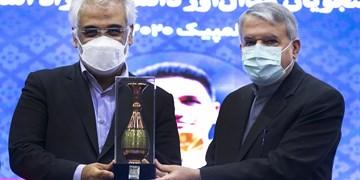 تجلیل از دانشجویان مدالآور دانشگاه آزاد اسلامی