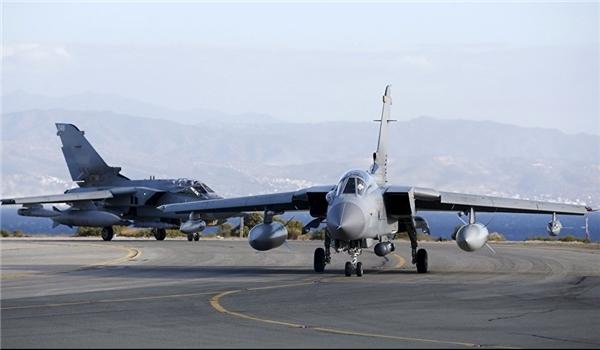 Russian, Syrian Warplanes Start Pounding Terrorists' Positions in Idlib, Hama