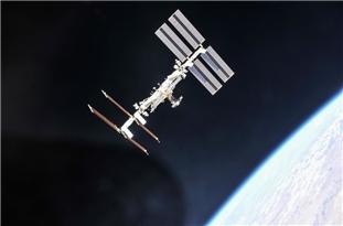 ICT Minister: Iran Ready to Send 2 New Satellites into Orbit