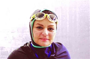 Iranian Athlete Sets New Swimming Record with One Hand