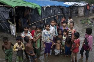 Coronavirus Spreading in Bangladesh's Rohingya Camps