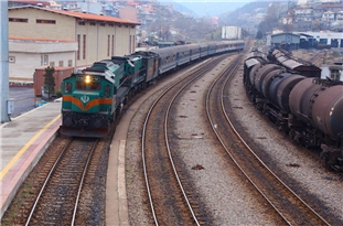 Iran Leaping Forward for Cutting Reliance on Foreign Rail Tracks