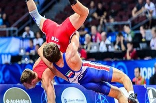 Iran's Wrestlers Grab Silver, Bronze Medals in Russia