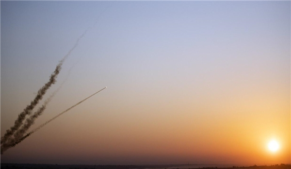 Tourists Rush to Flee Missile-Showered Israel