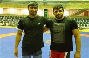 Iranian Athletes Grab Colorful Medals in Russia's Wrestling Cup