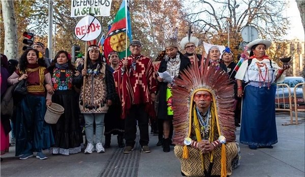 Protest over Eviction of Indigenous Activists Blocking Pipeline Grows Across Canada