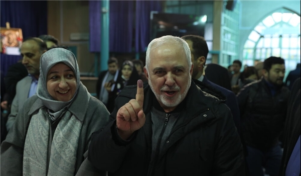 FM Zarif: Iranians Determined to Decide Own Fate
