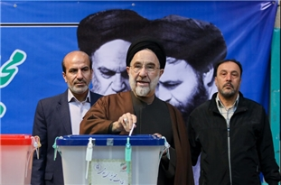 Former President Khatami Appears at Polls to Mark Reformists' Serious Push for Winning Seats at Legislative Elections