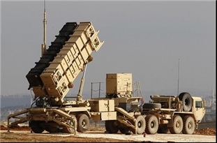 US Deploys Patriot Missile Shield Near Koniko Gas Field in Deir Ezzur