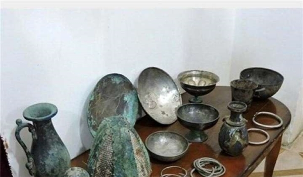 Official Calls for Return of Antiques from Austria