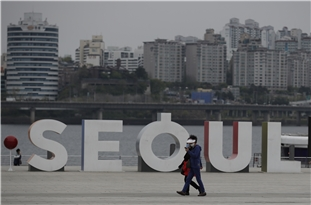 COVID-19 in S. Korea: Club-Linked Virus Cases Still on Rise Ahead of Further School Reopening