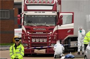 26 Arrested in France, Belgium over Truck Deaths of 39 Vietnamese Migrants