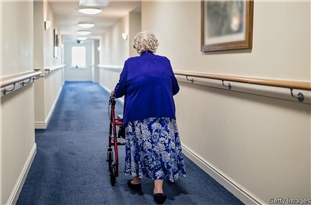 UK Gov't Facing Legal Action Unless It Admits to Acting 'Unlawfully' over Care Homes