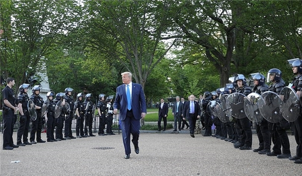 Democratic Governors, Mayors Rebuke Trump's Threat to Deploy Troops over Protests