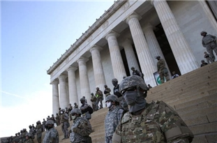 Pentagon Moves 1,600 Active-Duty Troops Near DC as Tensions Escalate
