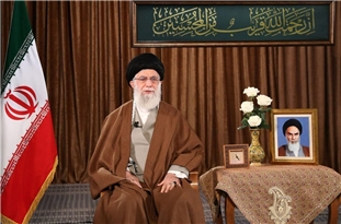 Leader: Imam Khomeini Proved Superpowers Defeatable