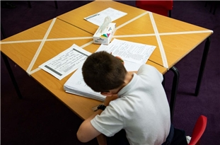 Nearly Half of England's Primary Schools Ignored Government's Pleas to Reopen