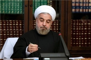 Rouhani Calls for Development of Bilateral Ties with Algeria