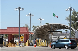 Residents of Mexican Town Block Americans from Entering over Fears of COVID-19