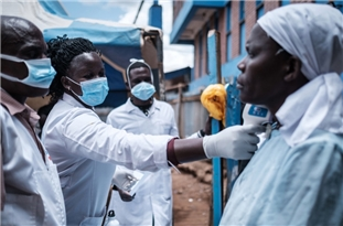 Coronavirus Infects 24,000 S. African Health Workers