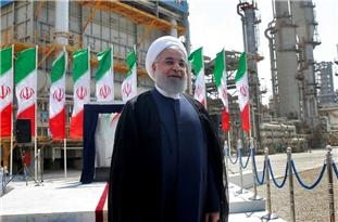 Rouhani: Launching Petchem Projects Progressing despite Sanctions