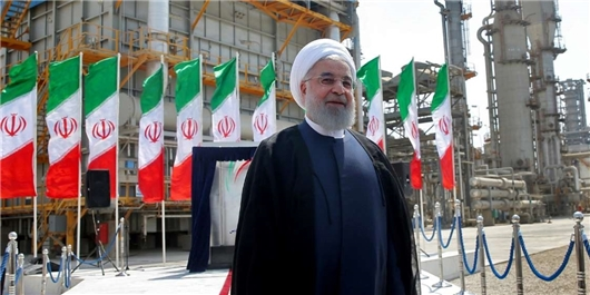Rouhani: Launching Petchem Projects Progressing despite Sanctions
